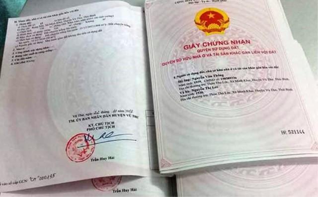 """Theo thống kê của Sở Tài nguyên và Môi trường tỉnh Thái Bình, tính đến giữa tháng 3/2018, Sở này đang """"ế"""" tới 71.252 sổ đỏ."""