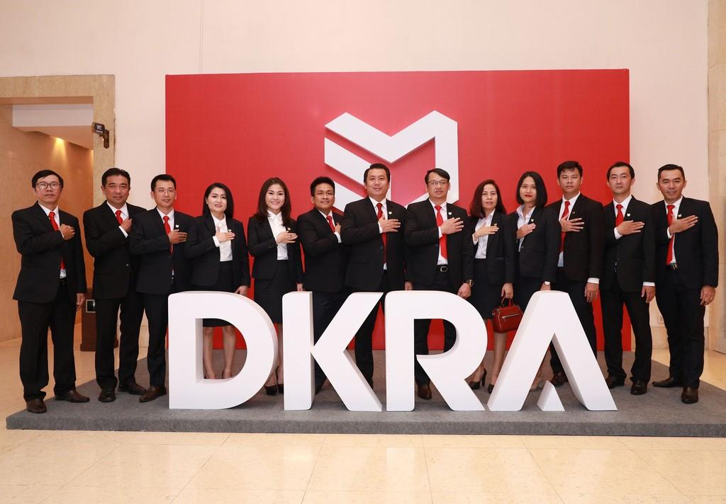 Ban lãnh đạo DKRA Vietnam và các công ty thành viên thể hiện tinh thần Cam kết - Chính trực - Hiệu quả với cổ đông