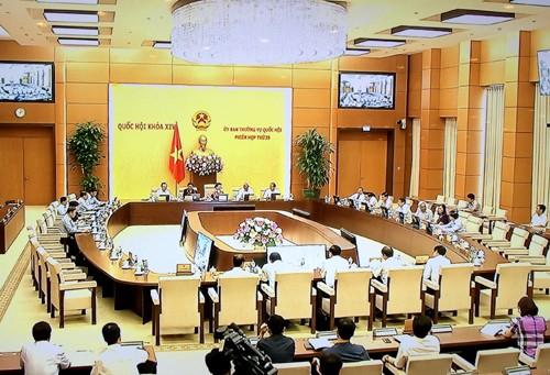 Thủ tướng Chính phủ phân công chuẩn bị nội dung họp UBTVQH