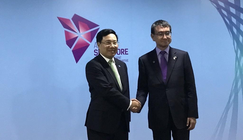 Phó Thủ tướng, Bộ trưởng Ngoại giao Phạm Bình Minh và Ngoại trưởng Nhật Bản Taro Kono. Ảnh: BNG cung cấp