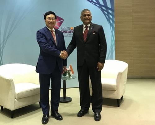 Phó Thủ tướng tiếp xúc song phương bên lề Hội nghị Bộ trưởng Ngoại giao ASEAN - ảnh 2
