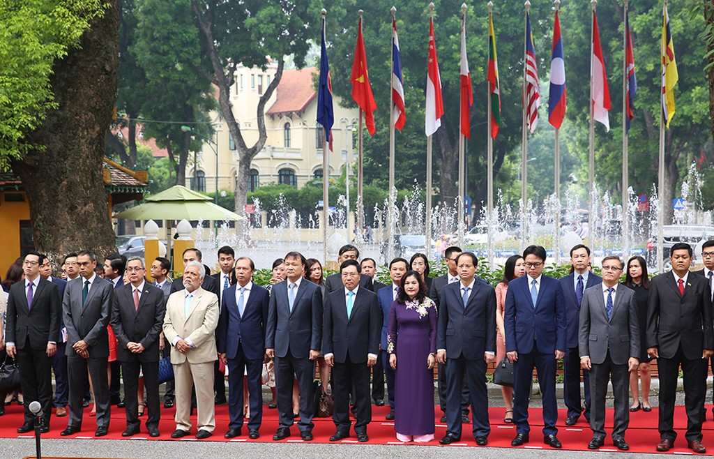 Việt Nam cam kết cùng ASEAN triển khai hiệu quả Tầm nhìn 2025 - ảnh 2