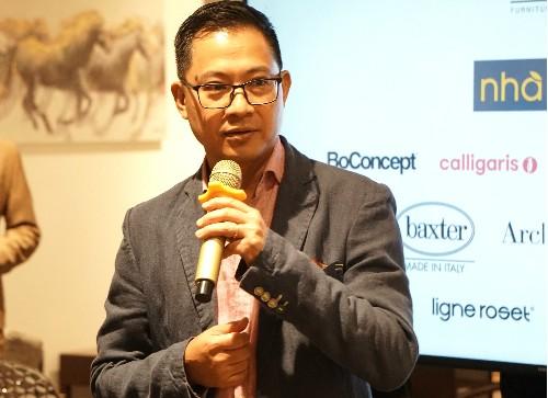 Ông Lý Quí Trung xuất hiện với tư cách Tổng giám đốc AKA tối 10/8 tại TP HCM.