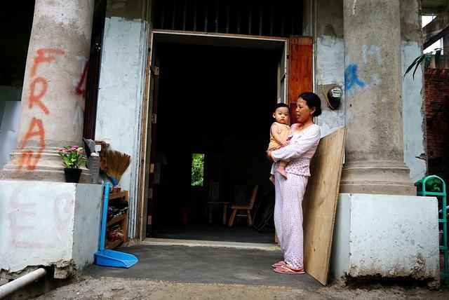 Cận cảnh nhem nhuốc của khu biệt thự bị bỏ hoang gần 10 năm giữa lòng Sài Gòn - ảnh 11