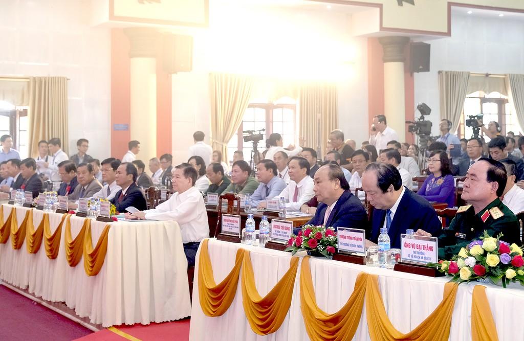Thủ tướng dự Hội nghị xúc tiến đầu tư Bình Phước - ảnh 1