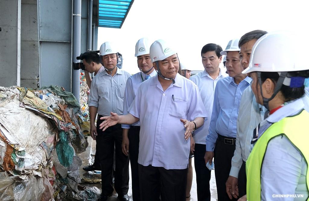 Thủ tướng thăm mô hình xử lý rác thải tại Quảng Bình - ảnh 1