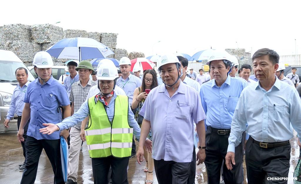 Thủ tướng thăm mô hình xử lý rác thải tại Quảng Bình - ảnh 2