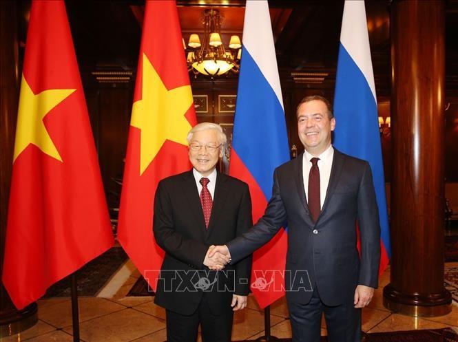 Tổng Bí thư Nguyễn Phú Trọng với Thủ tướng Liên bang Nga D. Medvedev tại Dinh Thủ tướng ở Moskva. Ảnh: TTXVN