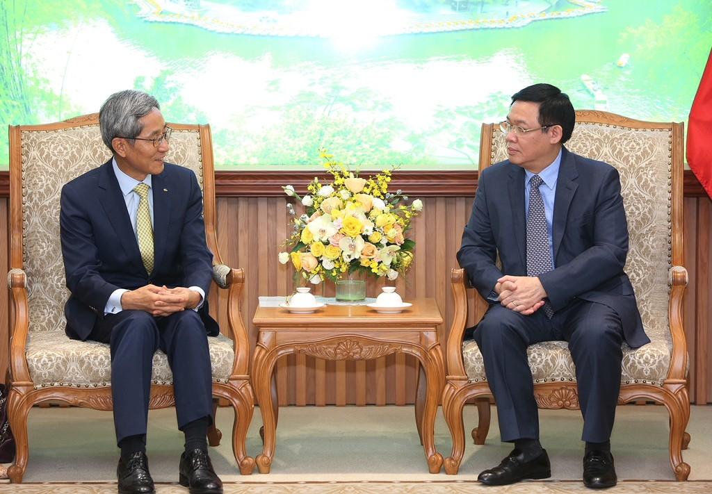 Phó Thủ tướng Vương Đình Huệ tiếp Chủ tịch Tập đoàn Tài chính KB - ảnh 1