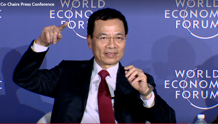 Quyền Bộ trưởng Nguyễn Mạnh Hùng.