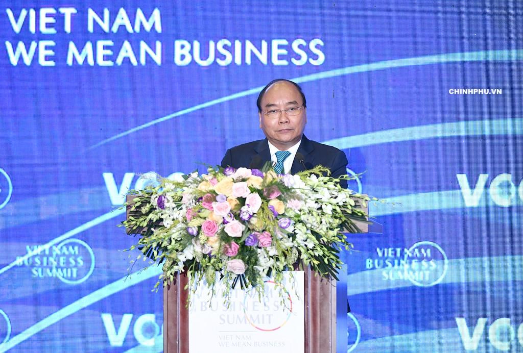 Thủ tướng Nguyễn Xuân Phúc phát biểu tại Hội nghị Thượng đỉnh Kinh doanh 2018. Ảnh: VGP