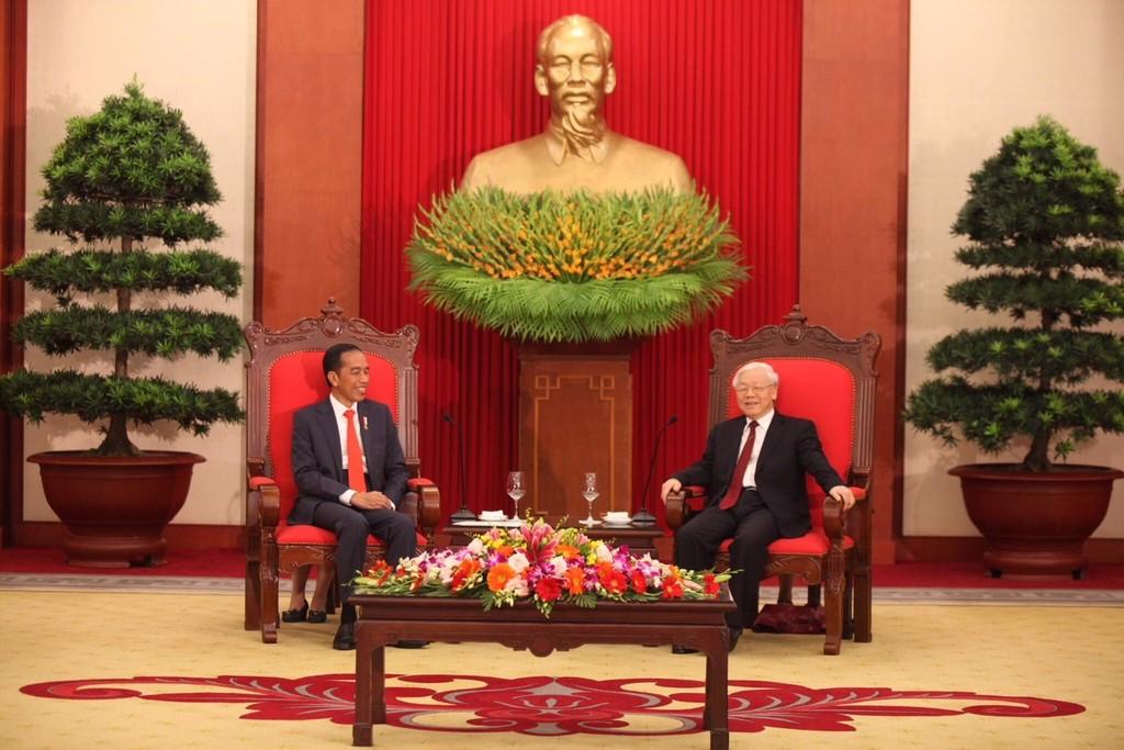Tổng Bí thư Nguyễn Phú Trọng tiếp Tổng thống Cộng hòa Indonesia Joko Widodo. Ảnh: VGP