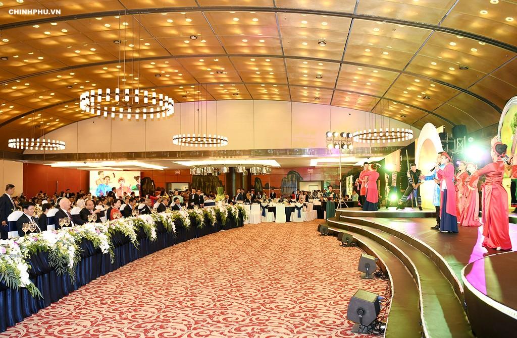 Thủ tướng chủ trì Dạ hội Quảng bá văn hóa Việt Nam - ảnh 2