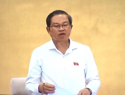 Phó Chủ tịch Quốc hội Đỗ Bá Tỵ điều hành phiên họp. Ảnh: VGP