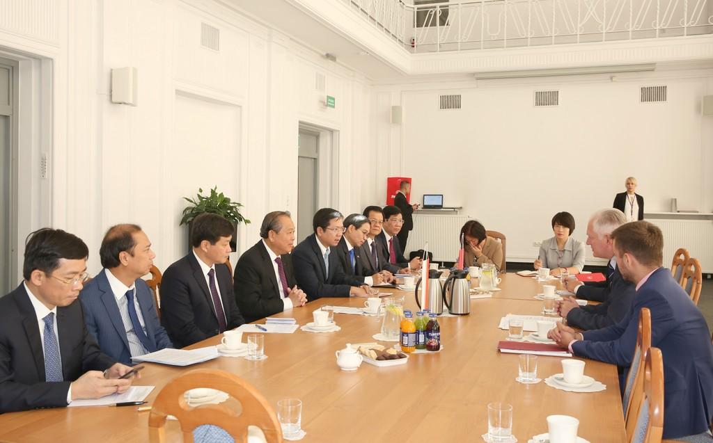 Phó Thủ tướng Thường trực Chính phủ hội đàm Phó Thủ tướng Ba Lan - ảnh 1