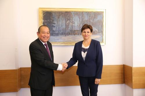 Phó Thủ tướng Thường trực hội kiến Chủ tịch Thượng viện Ba Lan - ảnh 3