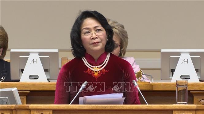 Phó Chủ tịch nước Đặng Thị Ngọc Thịnh phát biểu tại Phiên họp toàn thể của Diễn đàn Phụ nữ Á – Âu lần thứ hai.