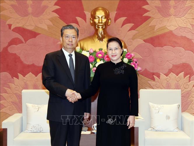 Chủ tịch Quốc hội Nguyễn Thị Kim Ngân và Bí thư Ủy ban Kiểm tra Kỷ luật Trung ương Đảng Cộng sản Trung Quốc Triệu Lạc Tế. Ảnh: TTXVN