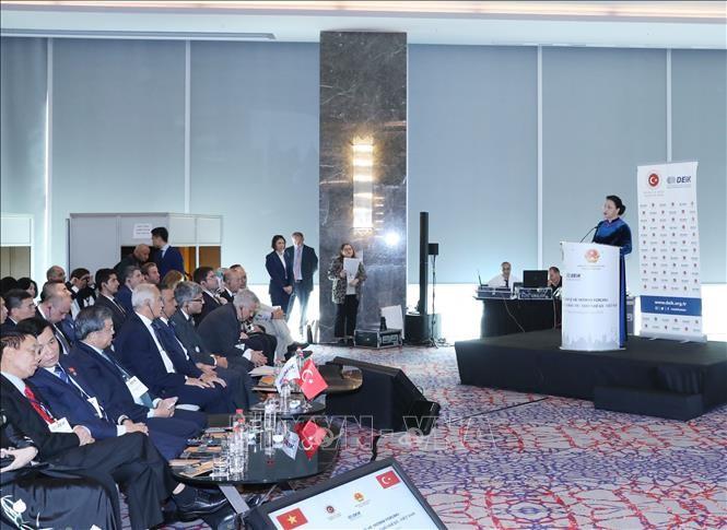 Chủ tịch Quốc hội Nguyễn Thị Kim Ngân phát biểu tại Diễn đàn