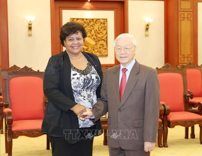 Tổng Bí thư Nguyễn Phú Trọng tiếp đồng chí Olga Lidia Tapia Iglesia. Ảnh TTXVN