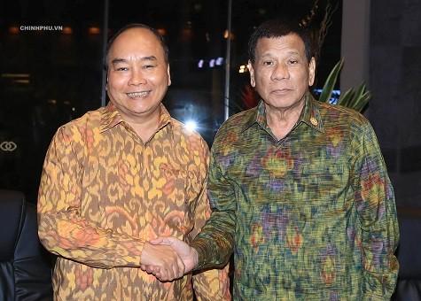 Thủ tướng Nguyễn Xuân Phúc và Tổng thống Philippines Rodrigo Roa Duterte. Ảnh: VGP