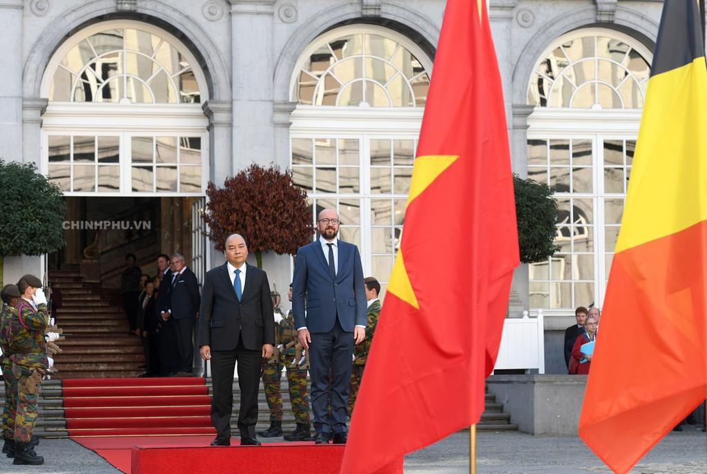 Thủ tướng Bỉ chủ trì lễ đón Thủ tướng Nguyễn Xuân Phúc - ảnh 2
