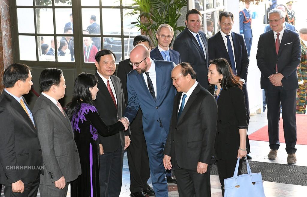 Thủ tướng Bỉ chủ trì lễ đón Thủ tướng Nguyễn Xuân Phúc - ảnh 3