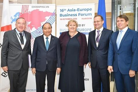 Thủ tướng: Các chính phủ và doanh nghiệp Á - Âu hãy cùng đặt câu hỏi - ảnh 1