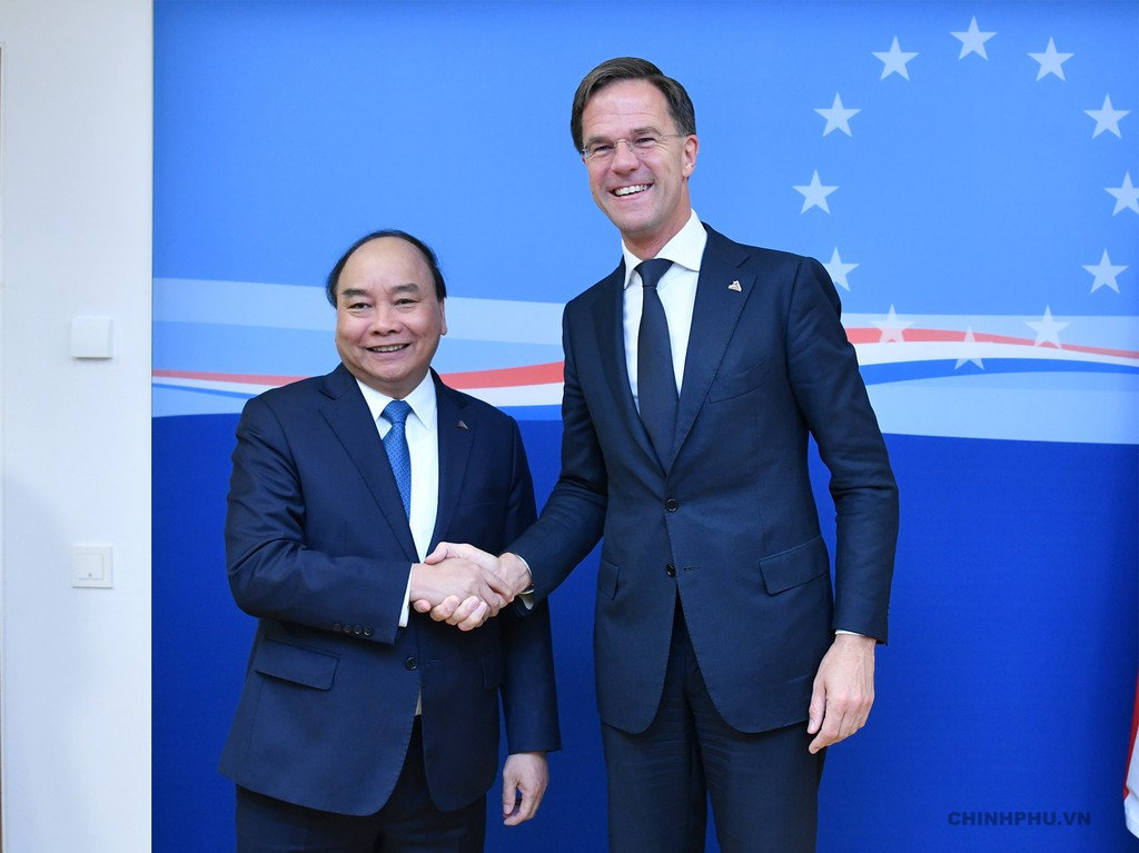 Thủ tướng tiếp xúc song phương nhiều lãnh đạo thế giới bên lề ASEM - ảnh 4