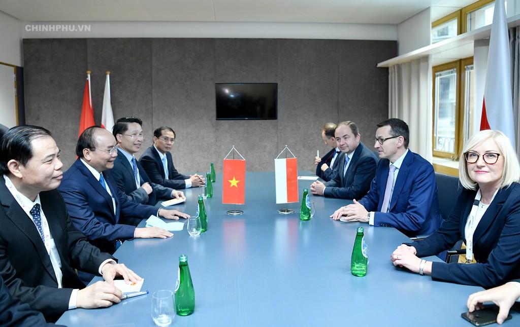 Thủ tướng tiếp xúc song phương nhiều lãnh đạo thế giới bên lề ASEM - ảnh 5
