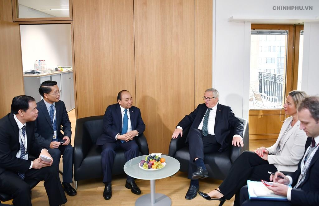 Thủ tướng tiếp xúc song phương nhiều lãnh đạo thế giới bên lề ASEM - ảnh 7