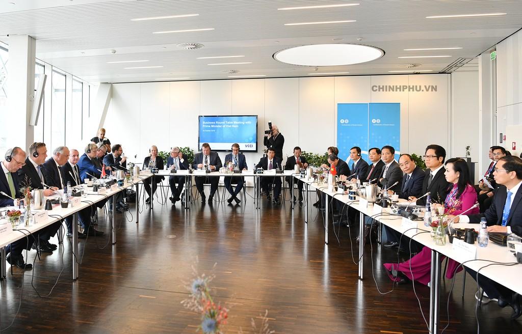 Thủ tướng đối thoại với các doanh nghiệp hàng đầu Đan Mạch - ảnh 2