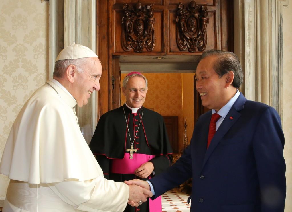 Phó Thủ tướng Trương Hòa Bình hội kiến Giáo hoàng Francis. Ảnh: VGP