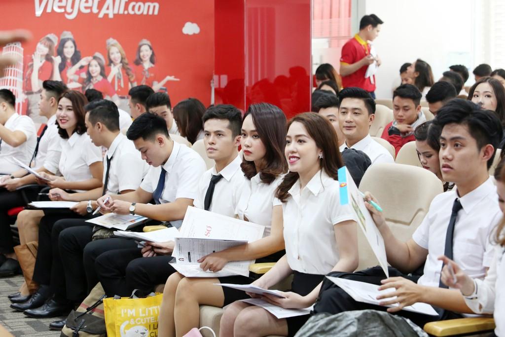 Vietjet tuyển dụng tiếp viên tại Hà Nội và TPHCM