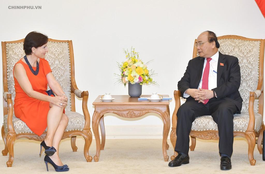 Thủ tướng Nguyễn Xuân Phúc tiếp Đại sứ Italy tại Việt Nam. Ảnh: VGP