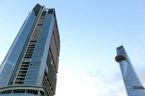 Dựa vào Nghị quyết 42, các ngân hàng đang đẩy mạnh thu giữ tài sản đảm bảo, trong đó cao ốc Sài Gòn One Tower cũng là một trường hợp.