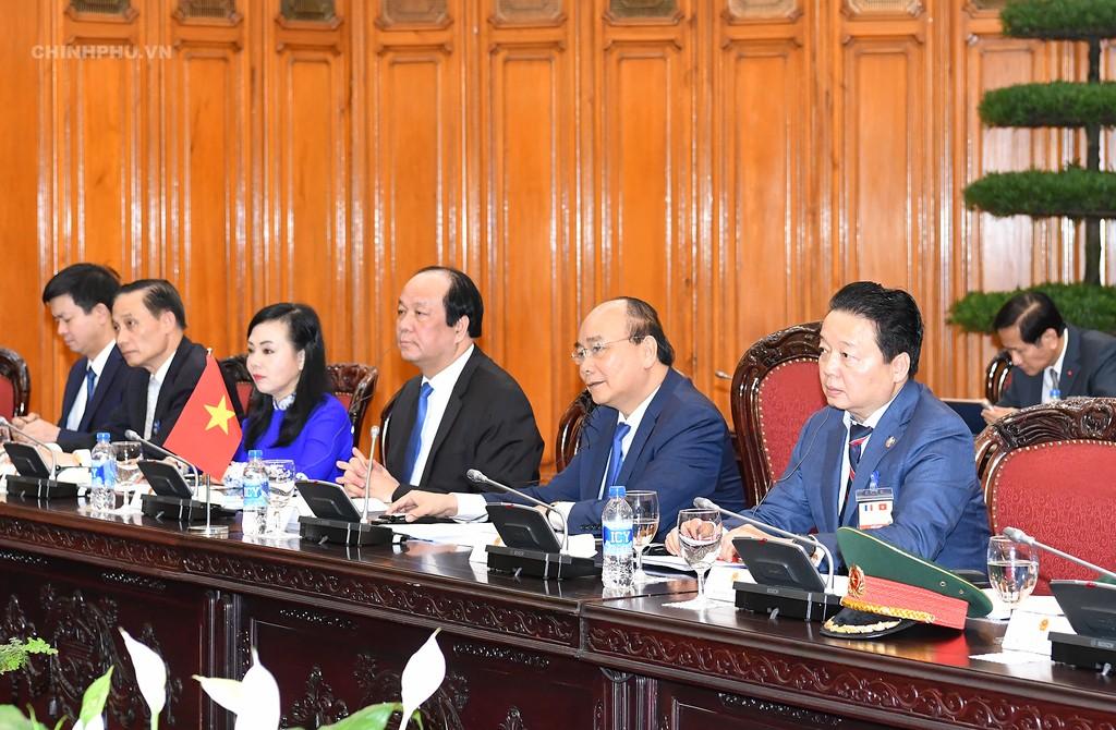 Chùm ảnh: Thủ tướng Nguyễn Xuân Phúc đón, hội đàm với Thủ tướng Cộng hòa Pháp - ảnh 5