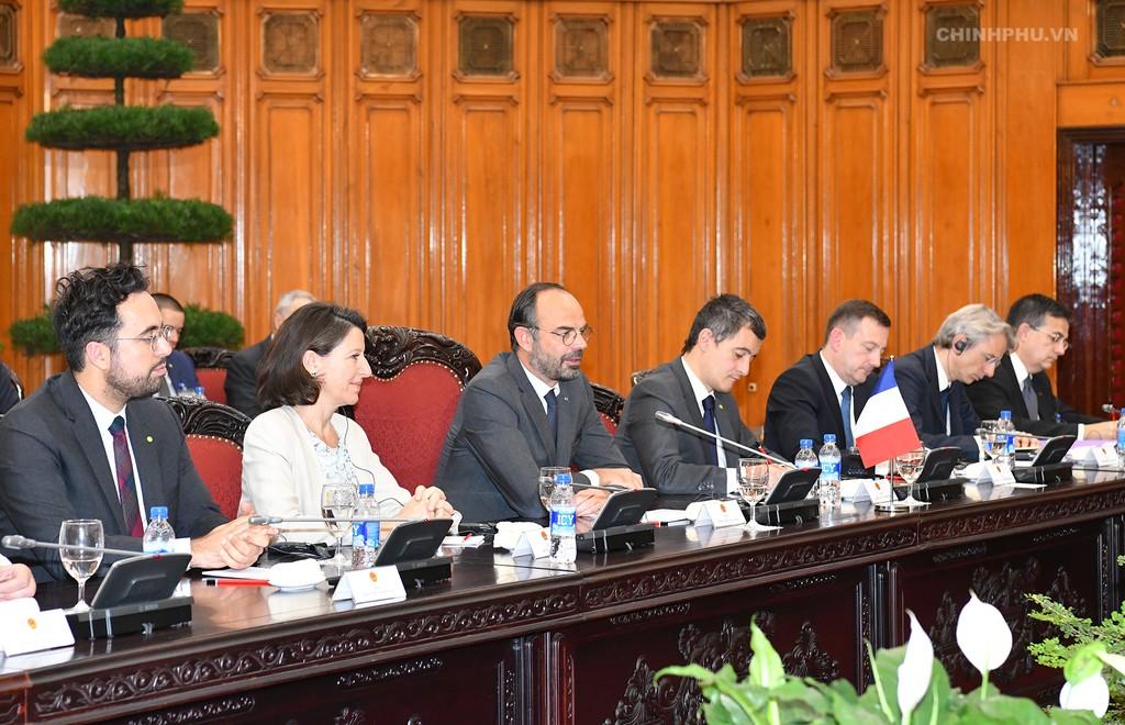 Chùm ảnh: Thủ tướng Nguyễn Xuân Phúc đón, hội đàm với Thủ tướng Cộng hòa Pháp - ảnh 6