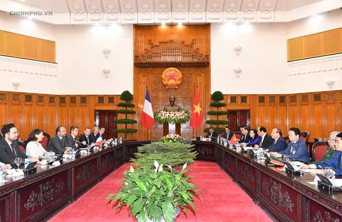 Thủ tướng Việt Nam, Pháp nhất trí thúc đẩy hợp tác phát triển chính phủ điện tử - ảnh 3