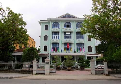 Trụ sở Sở Giáo dục Đạo tạo nằm trên đường Lê Lợi.