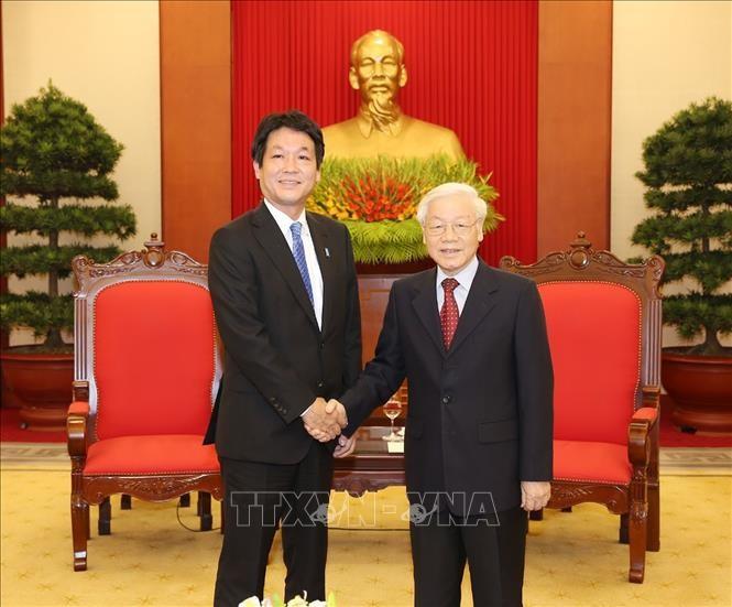 Tổng Bí thư, Chủ tịch nước Nguyễn Phú Trọng và Hạ nghị sĩ Sonoura Kentaro, Đặc phái viên của Thủ tướng Nhật Bản Shinzo Abe