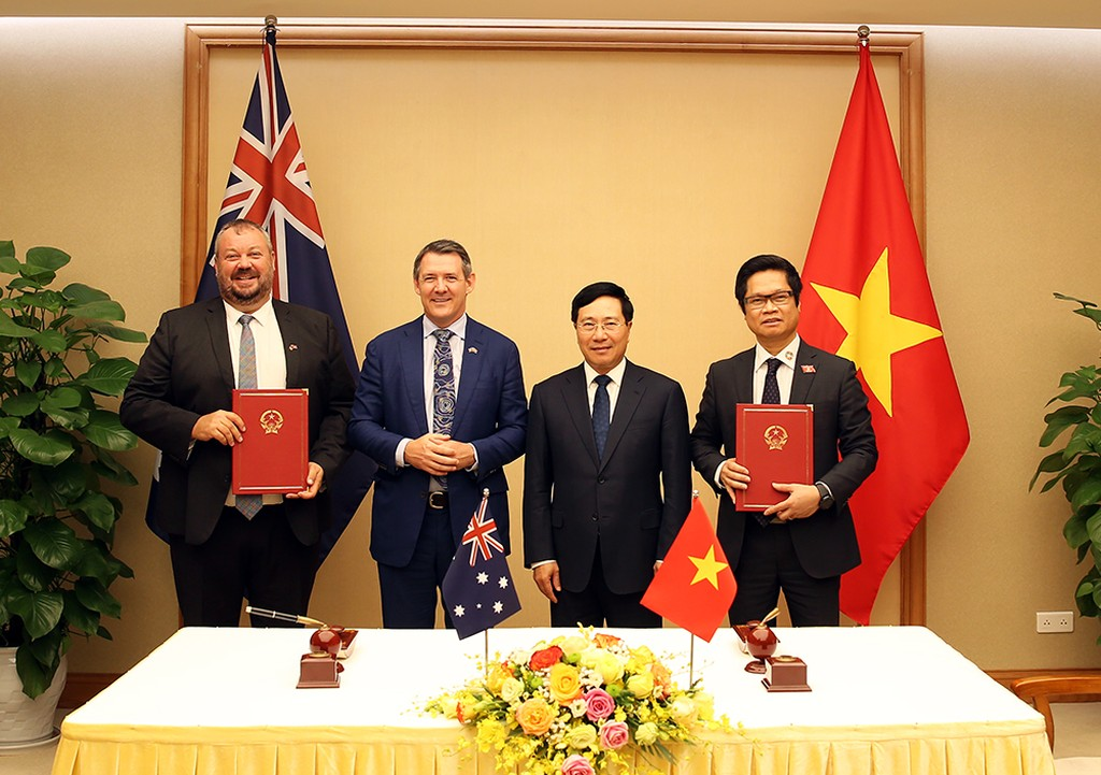 Phó Thủ tướng Phạm Bình Minh tiếp Thủ hiến Vùng Lãnh thổ Bắc Australia - ảnh 1
