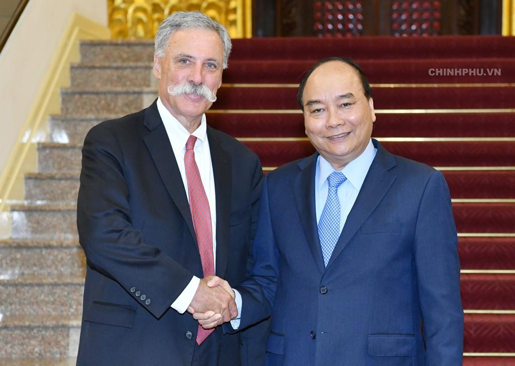 Thủ tướng Nguyễn Xuân Phúc và ông Chase Carey, Chủ tịch kiêm Giám đốc điều hành Tập đoàn Formula One. Ảnh: VGP