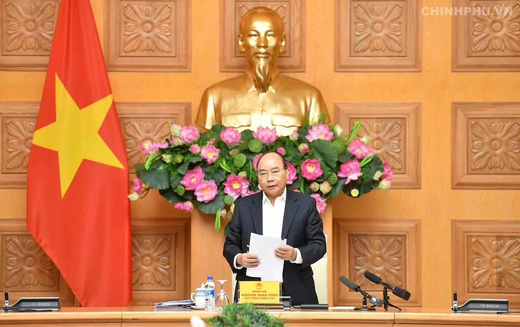 Thủ tướng Nguyễn Xuân Phúc chủ trì phiên họp Tiểu ban Kinh tế - Xã hội. Ảnh VGP
