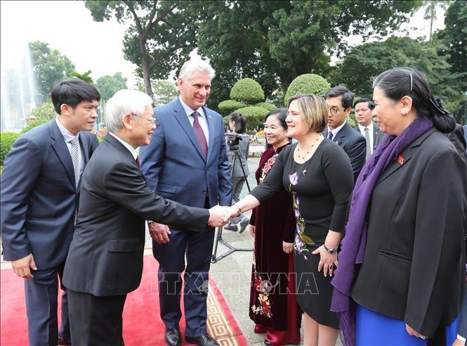 Lễ đón Chủ tịch Cuba Miguel Díaz-Canel thăm hữu nghị chính thức Việt Nam - ảnh 6