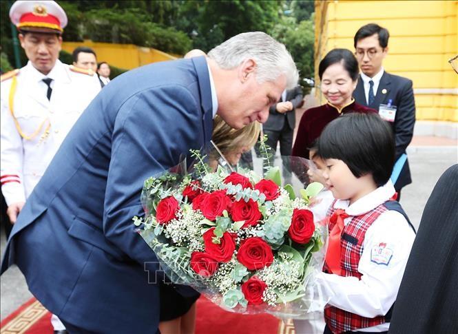 Lễ đón Chủ tịch Cuba Miguel Díaz-Canel thăm hữu nghị chính thức Việt Nam - ảnh 8