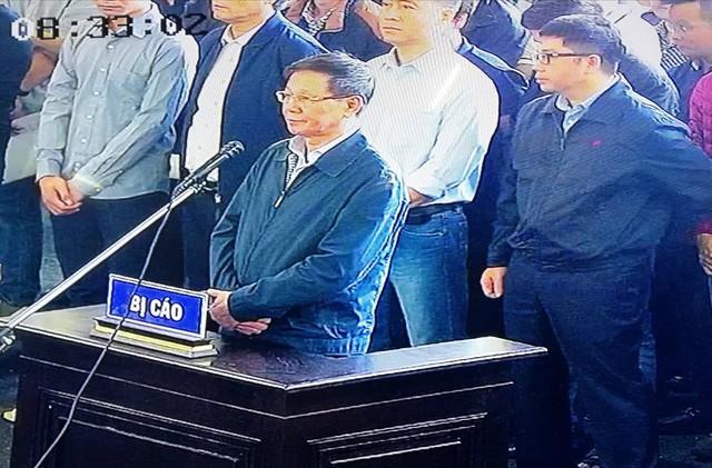"""Đang xét xử cựu Trung Tướng Phan Văn Vĩnh và vụ án """"đánh bạc nghìn tỷ"""" - ảnh 3"""