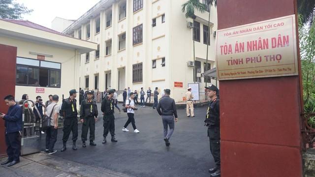 """Đang xét xử cựu Trung Tướng Phan Văn Vĩnh và vụ án """"đánh bạc nghìn tỷ"""" - ảnh 9"""