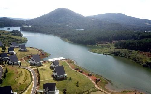 19 căn nhà gỗ xâm phạm di tích thắng cảnh quốc gia hồ Tuyền Lâm - ảnh 1