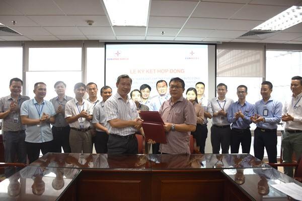 Lễ ký kết Hợp đồng Gói thầu 2TV thuộc dự án xây dựng Nhà máy thủy điện Hòa Bình mở rộng. Ảnh Internet